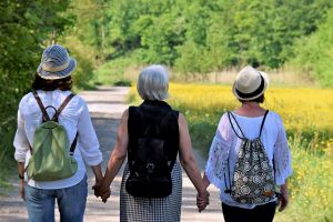 Ageism decreases when young and old spend time together (study)
